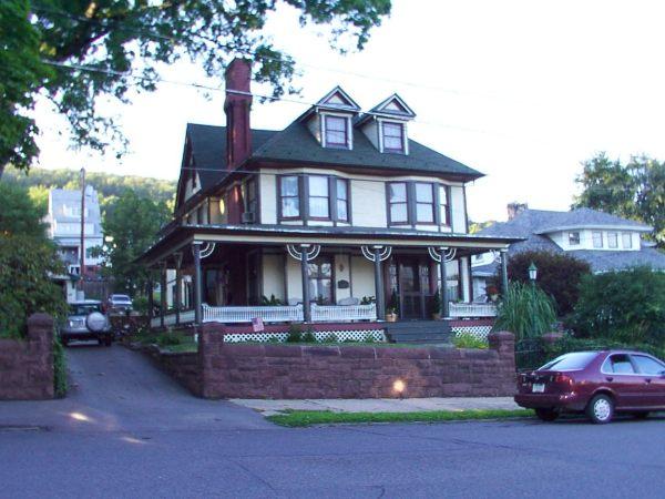1609 W. Arch Street